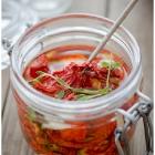 Ahjus kuivatatud tomatid