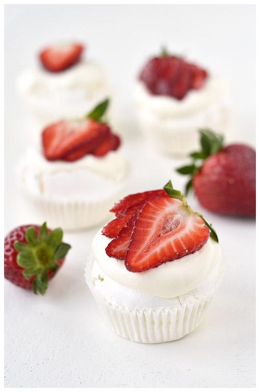 Pisi-Pavlovad maasikatega